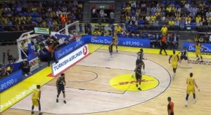 Maccabi: 7% from 3 points at halftime!!!
